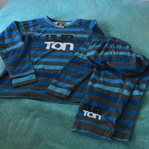 BURTON Dry Ride youth thermal underwear.  Top is M